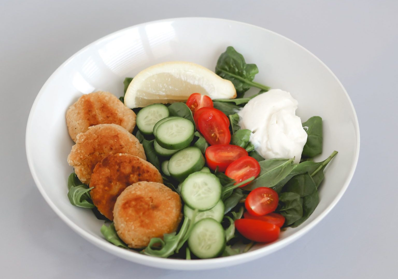 Chickpea patty salad